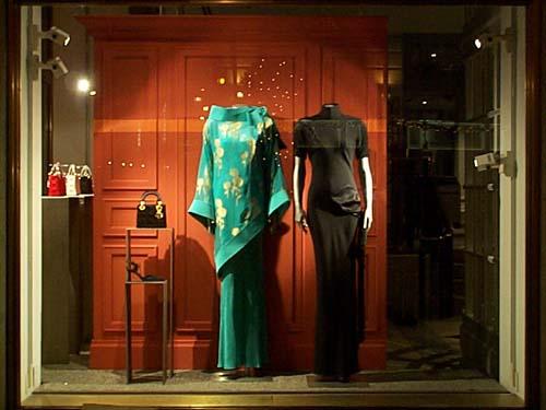 1905 Nace el creador de moda Christian Dior.